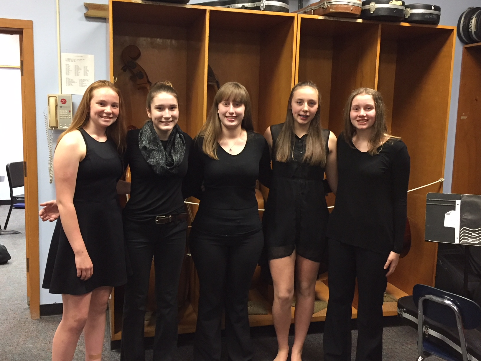Girls ready for concert!