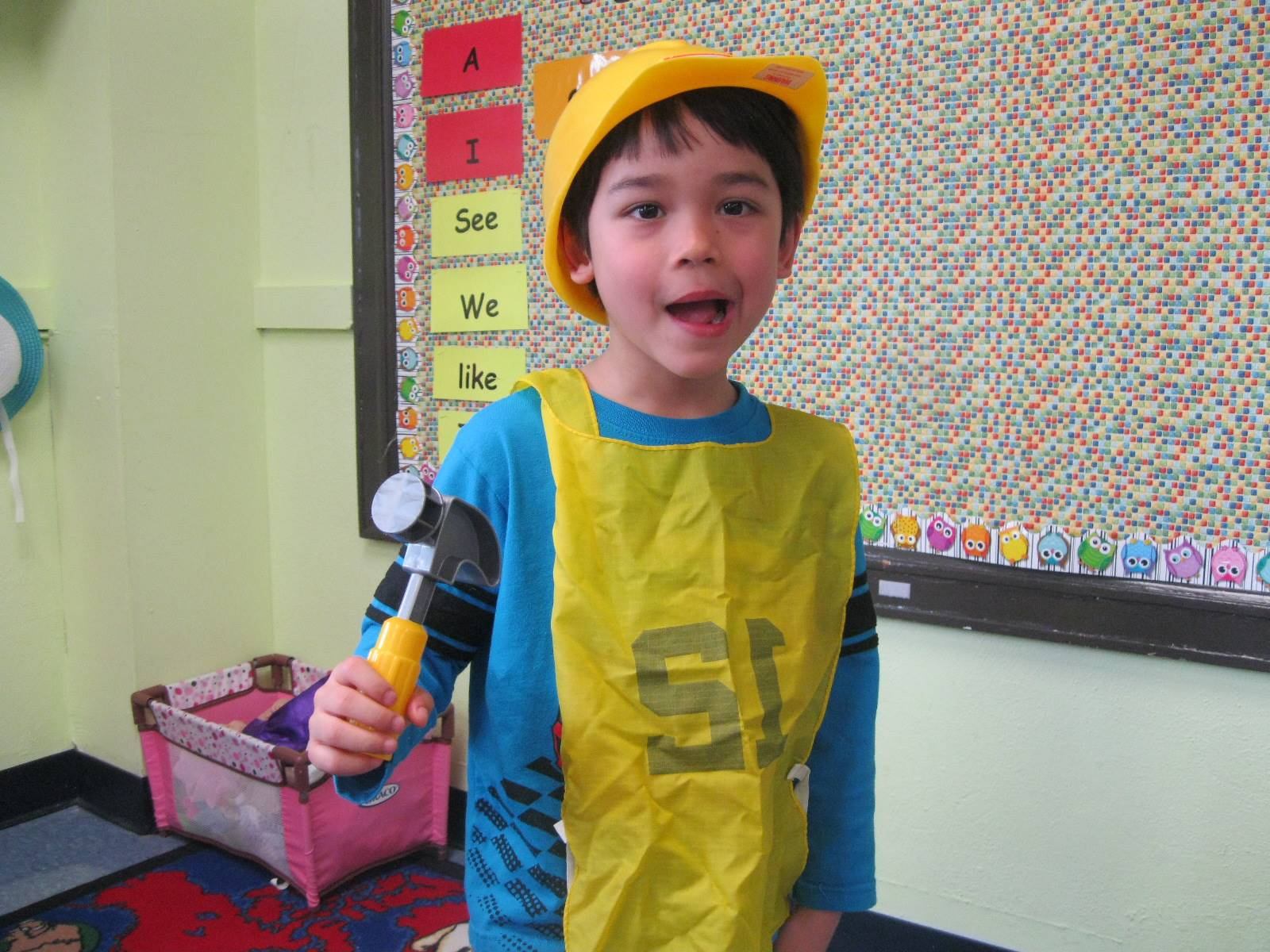 student dressed up as a builder.