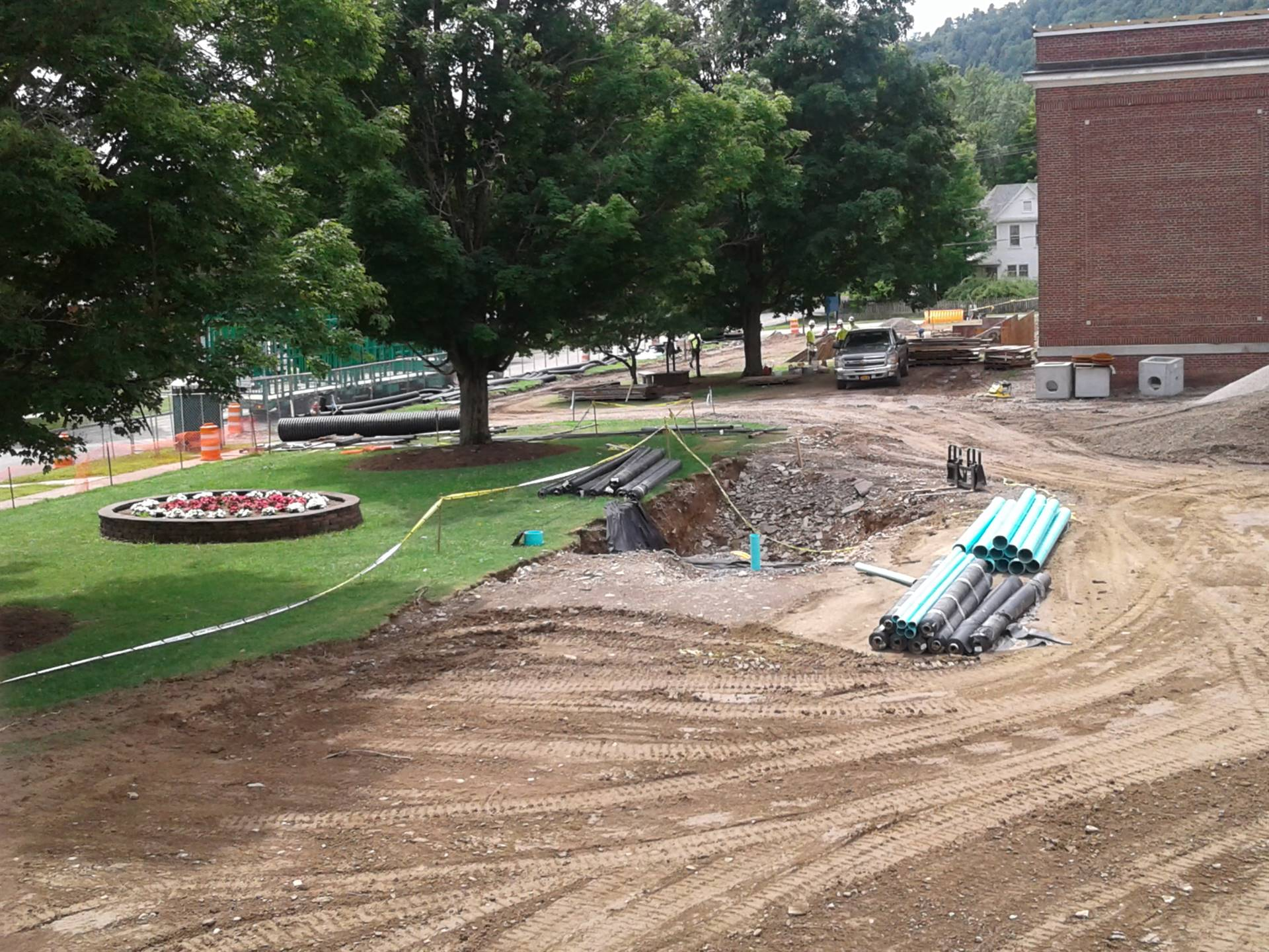 Capital Project - Week 4 - finishing the drainage work on the front lawn.