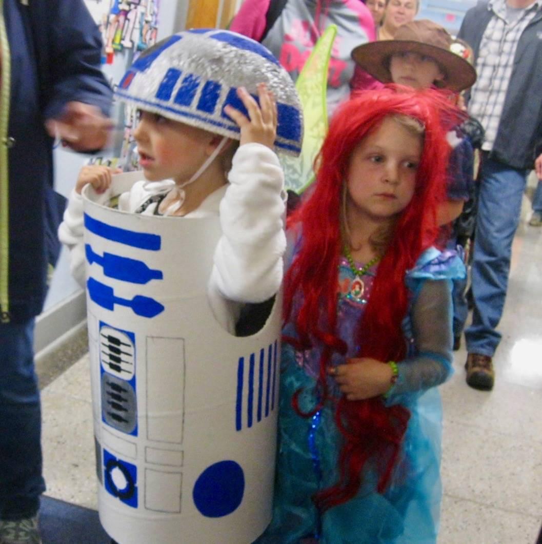 R2D2 and Ariel princess!