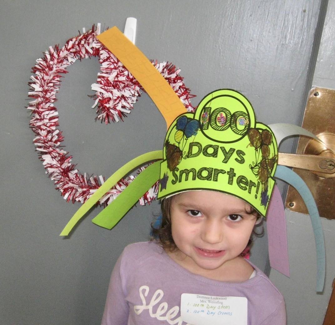 1 student with a 100 day hat.